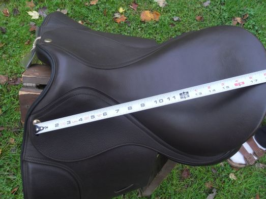 HD Extra Dressage Seat Measurement